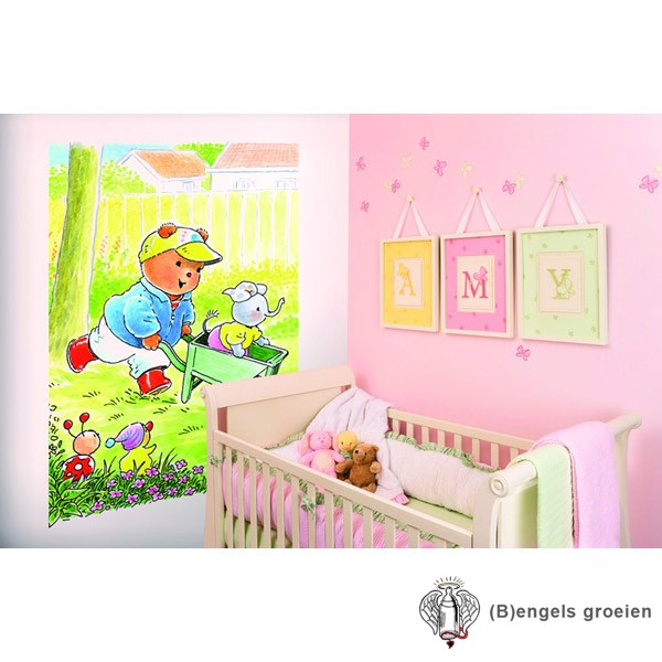 Posterbehang - Bobbi with a Wheel Barrow - 4 Panelen