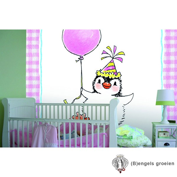 Posterbehang - Penguin on Pink - 4 Panelen