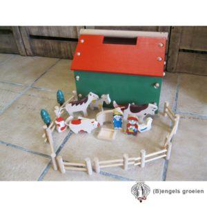 Houten Boerderij - Compleet Met Speelfiguurtjes